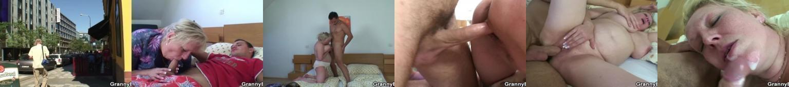 Pulchna babcia zabawia się z młodszym